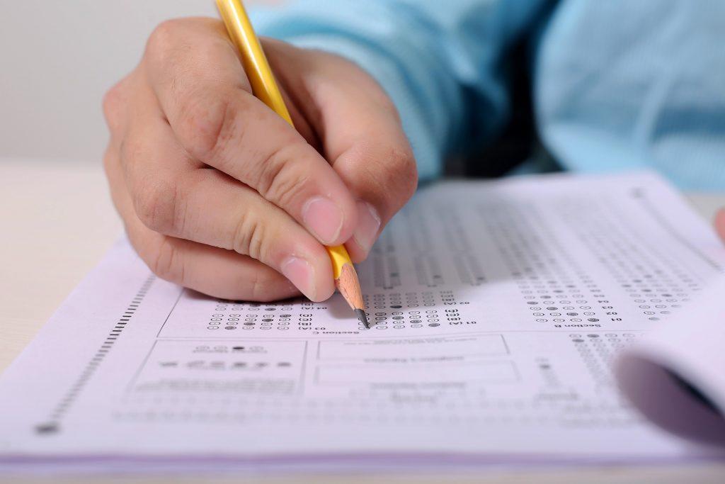 Los exámenes oficiales